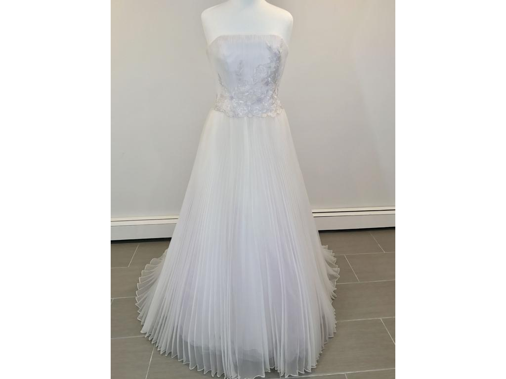 Givenchy 303 525 size 6 sample wedding dresses pin it add to givenchy 303 6 junglespirit Gallery