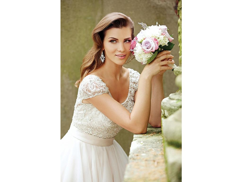 Allure bridals 9100 1 000 size 6 used wedding dresses for Used wedding dresses miami
