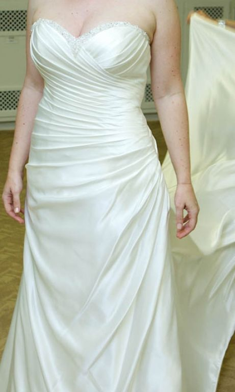 Essense of australia d9400m 575 size 12 used wedding for Used wedding dresses west palm beach