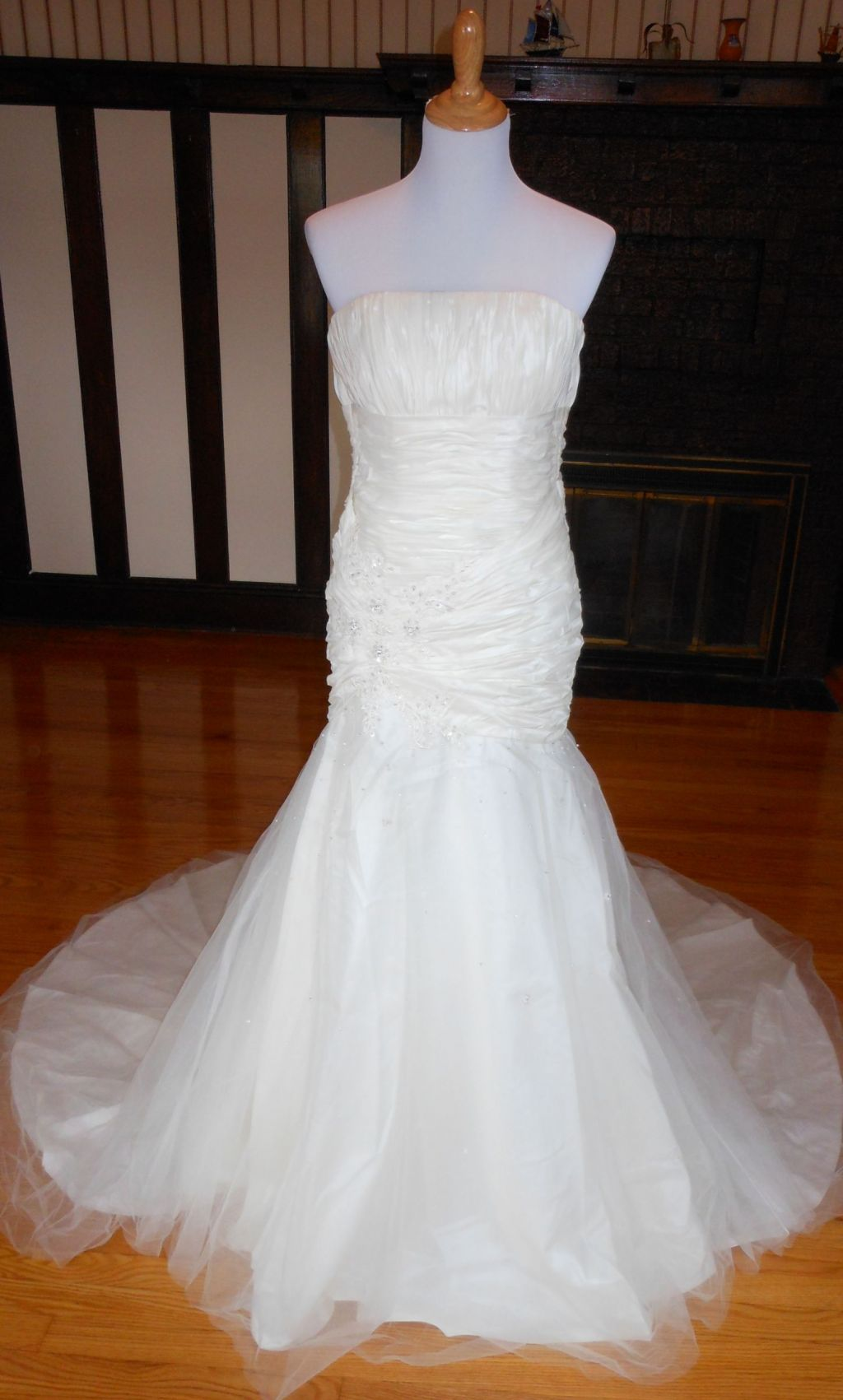Other sacha james junstine 99 size 10 new un altered for Wedding dresses for 99
