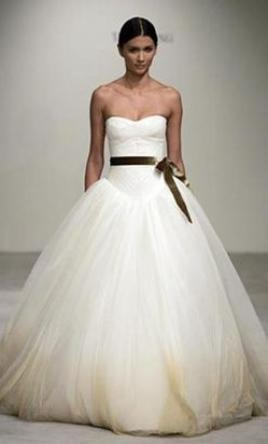 Vera wang wedding dresses for sale preowned wedding dresses vera wang junglespirit Images