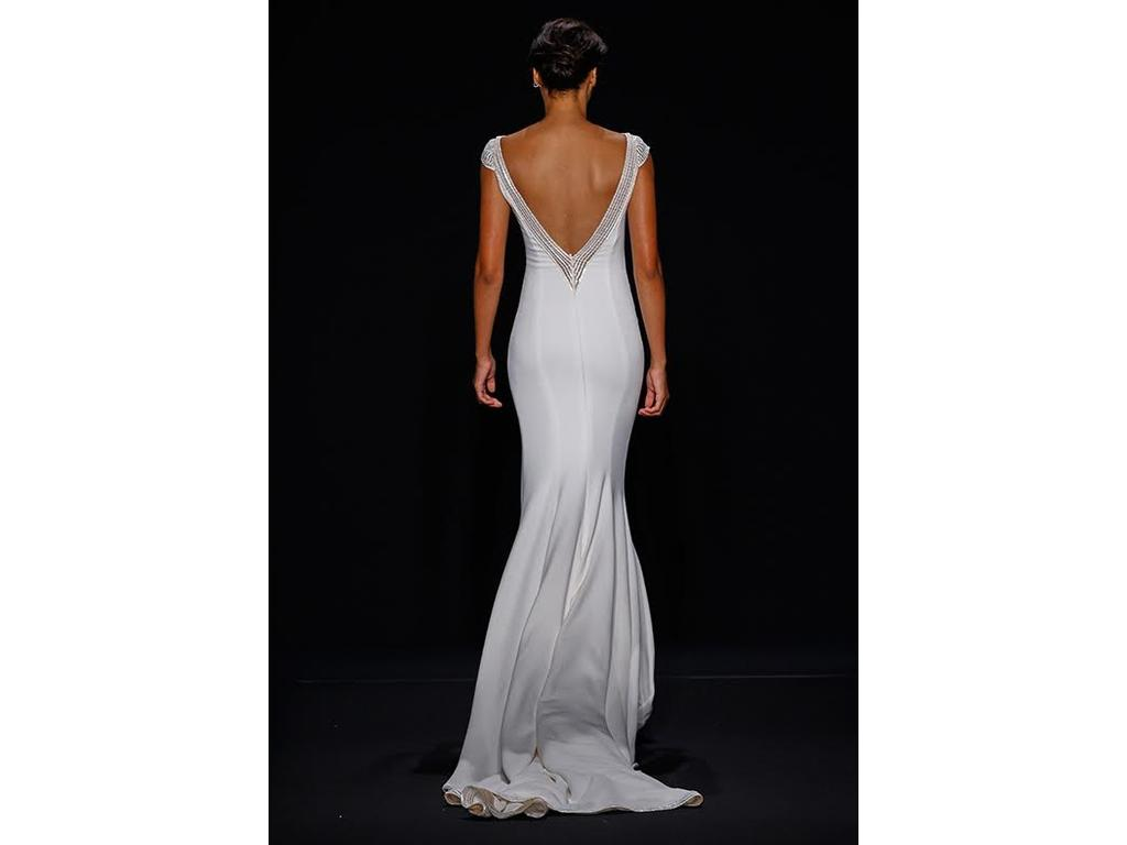 Mark zunino 900 size 10 used wedding dresses for Previously worn wedding dresses for sale
