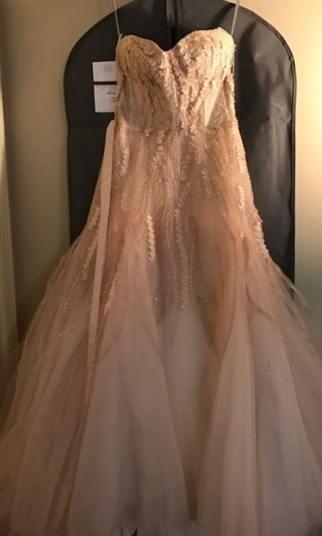 Monique Lhuillier Candy in Blush, $3,750 Size: 4 | Used Wedding ...