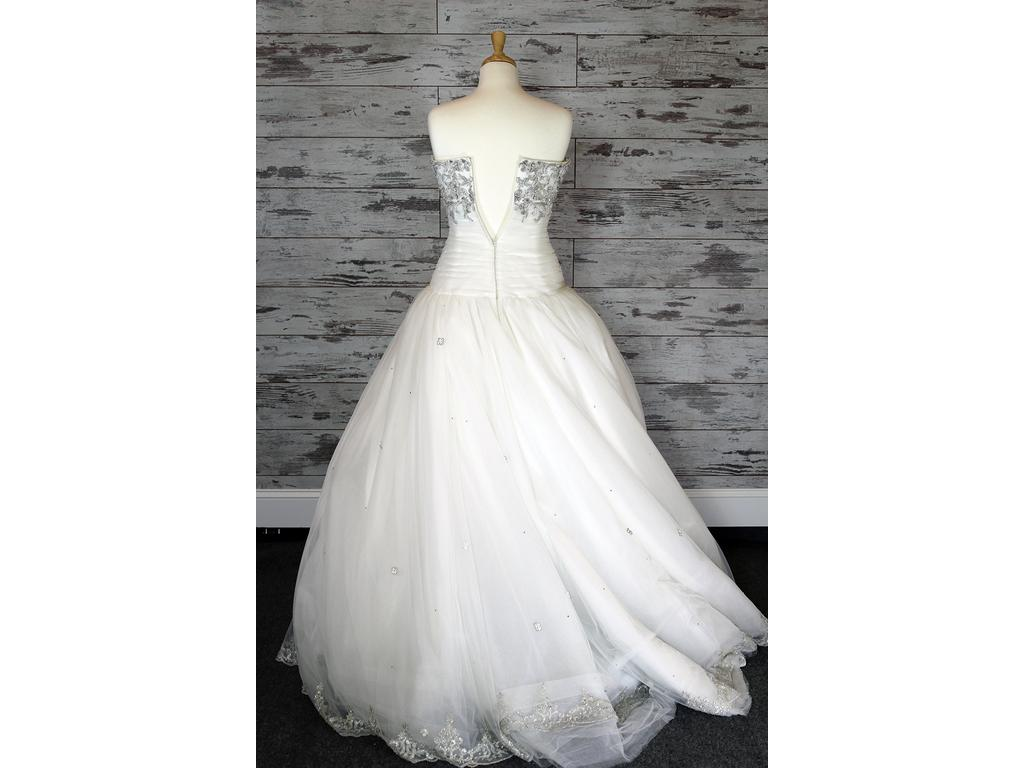 Ivory Ball Gown Wedding Dress: Eve Of Milady Eve Of Milady Ball Gown Wedding Dress (Ivory