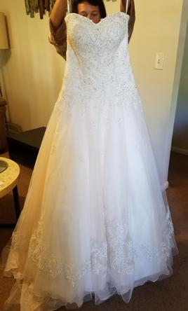 Stella york wedding dresses for sale preowned wedding for How much do stella york wedding dresses cost