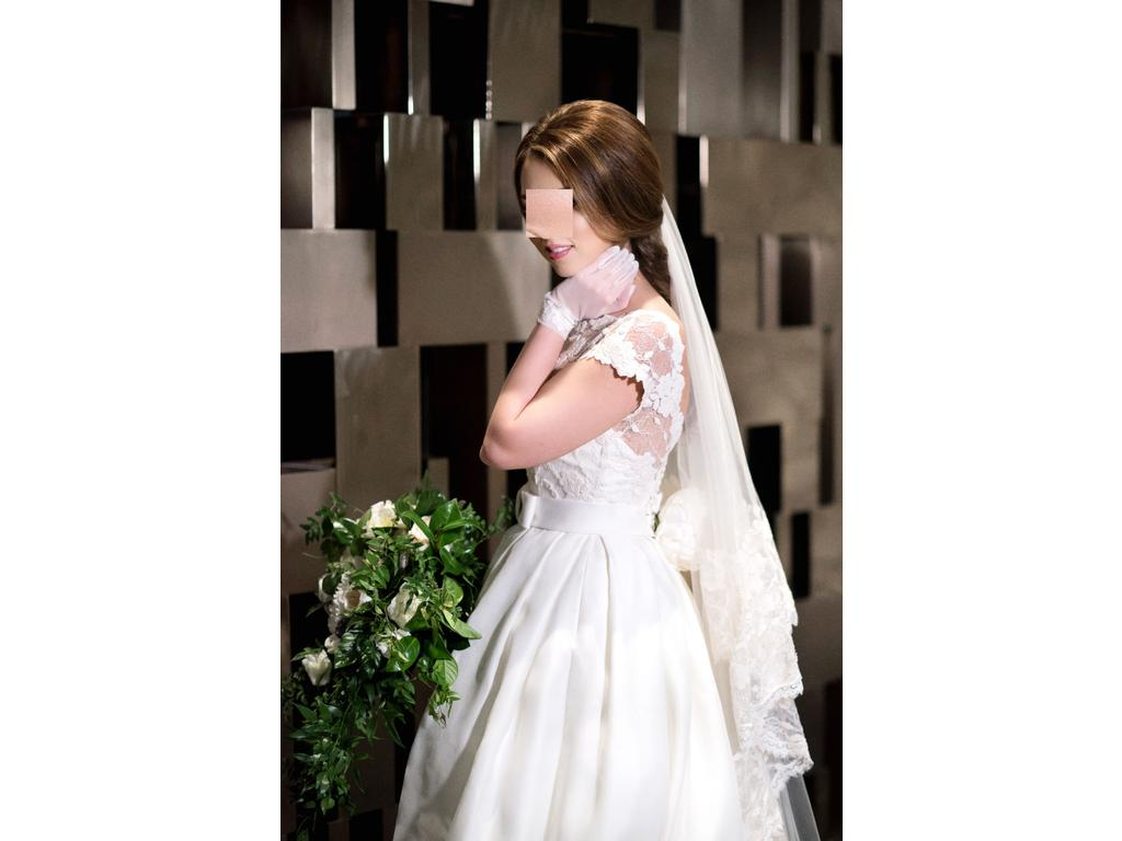 Rosa clara dallas 3 000 size 4 used wedding dresses for Previously worn wedding dresses for sale
