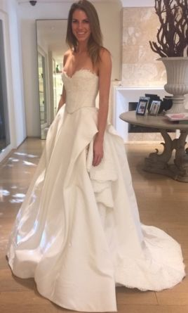 Oscar de la renta cassandra 3 240 size 2 used wedding for Where to buy oscar de la renta wedding dress