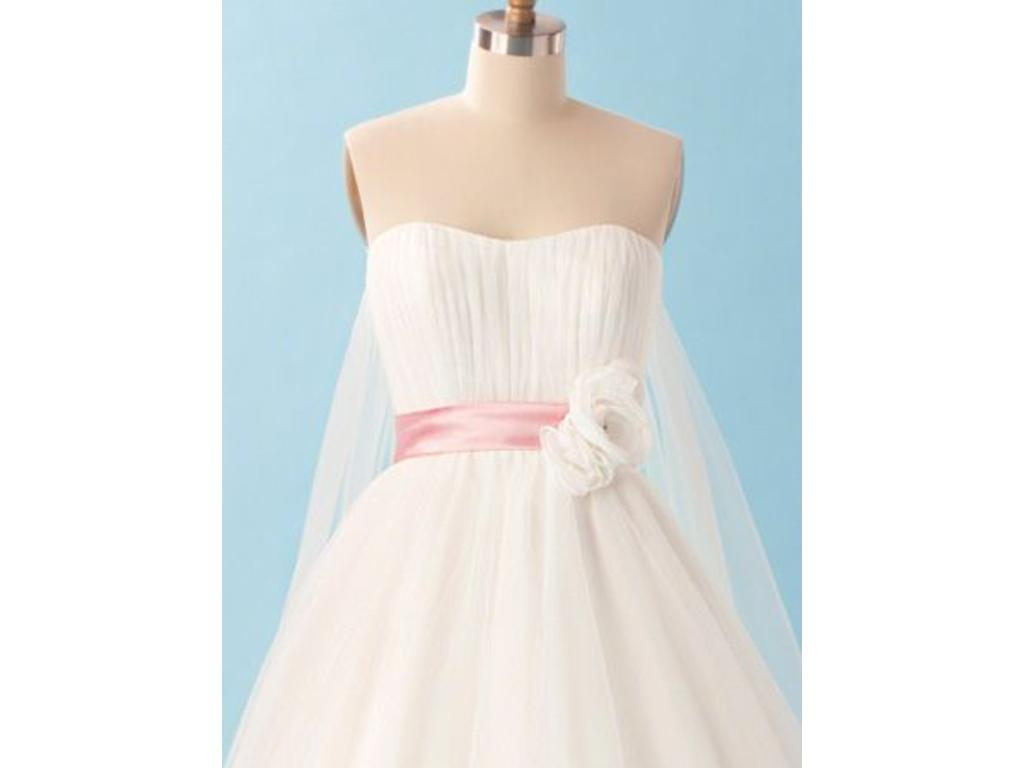 Alfred Angelo 220 - Snow White, $500 Size: 10 | New (Un-Altered ...