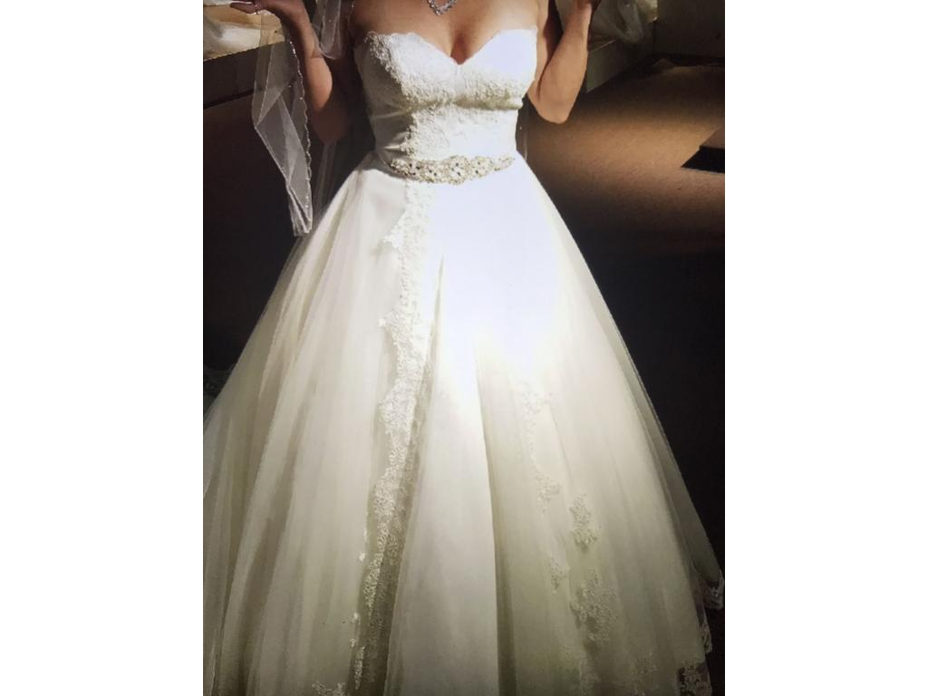 Mary 39 s bridal 1 500 size 8 used wedding dresses for Pre owned wedding dresses