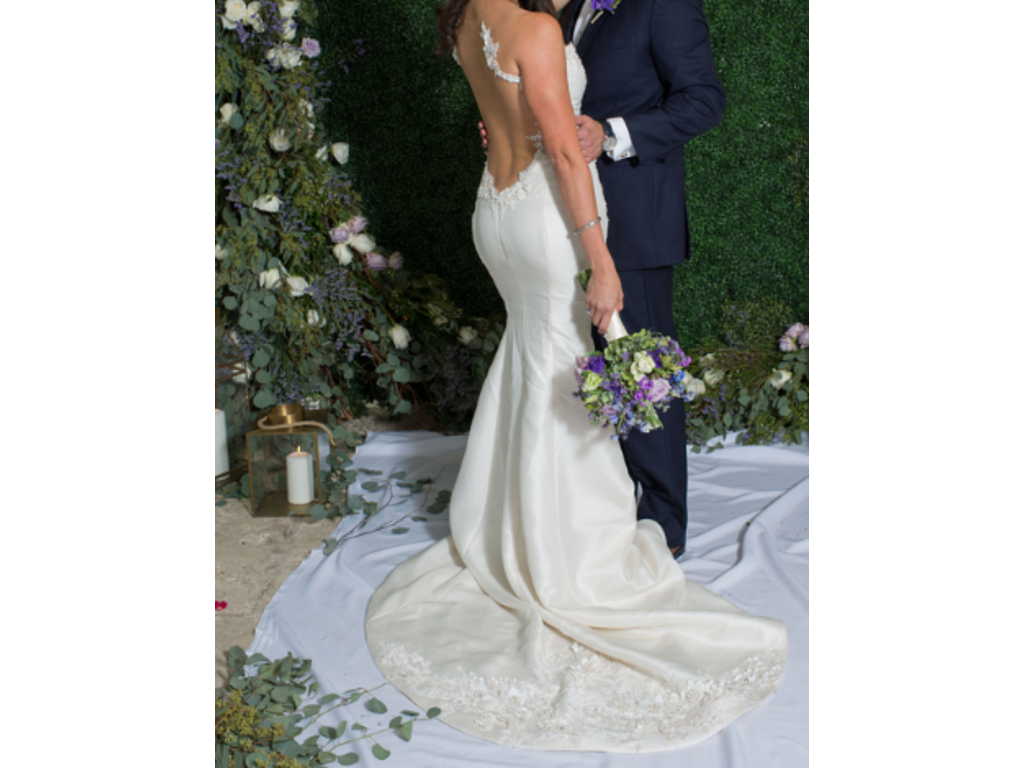 Ines di santo tender 5 000 size 10 used wedding dresses for Ines di santo wedding dresses prices