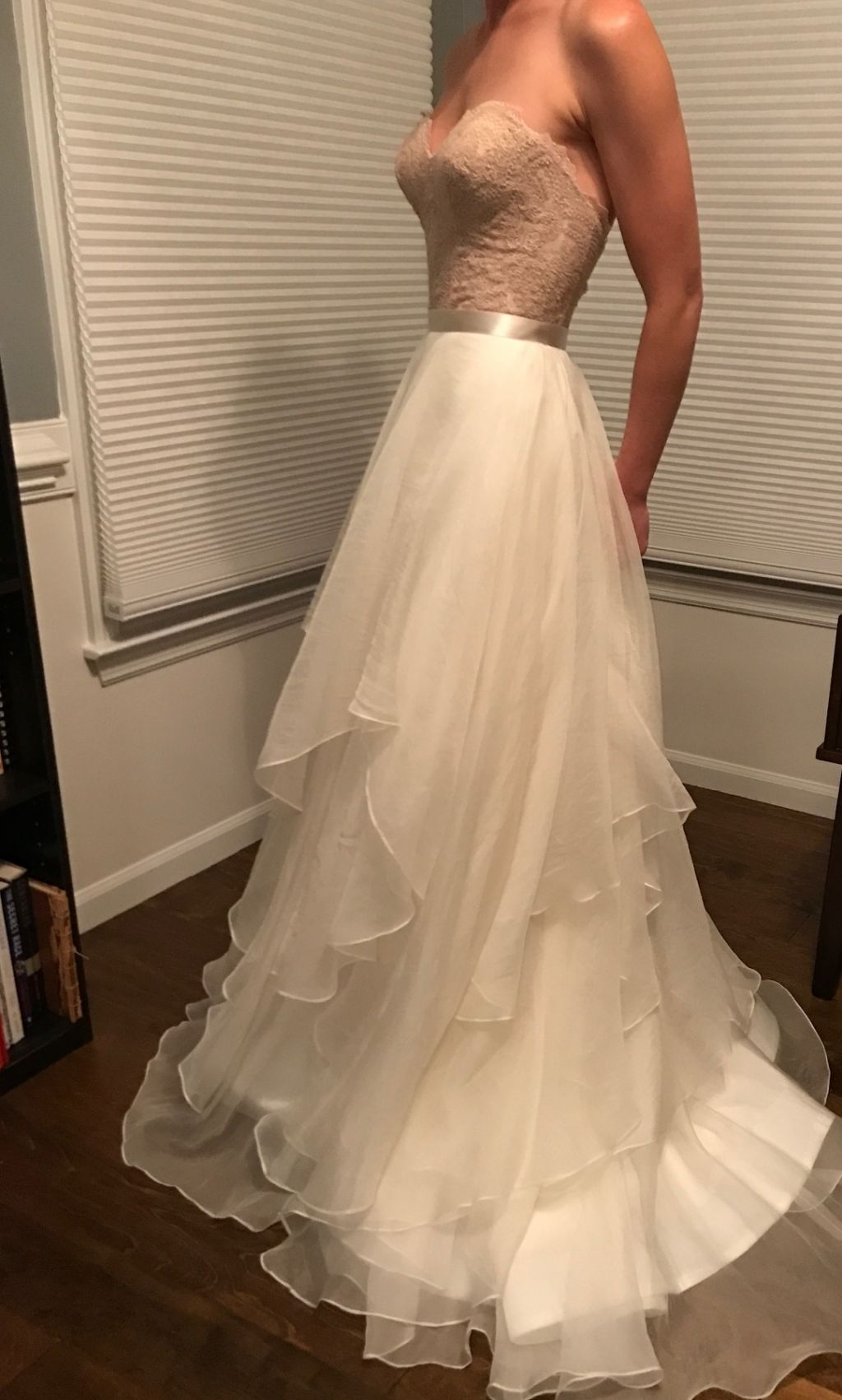 Watters Carina 325 Size 00 Sample Wedding Dresses