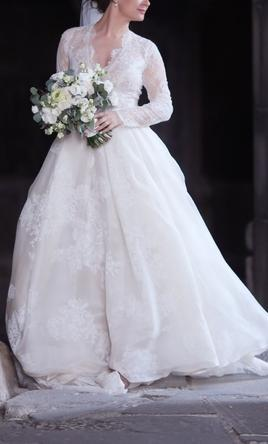 7ea74f859ec48 Monique Lhuillier Winslet, $3,500 Size: 6 | Used Wedding Dresses