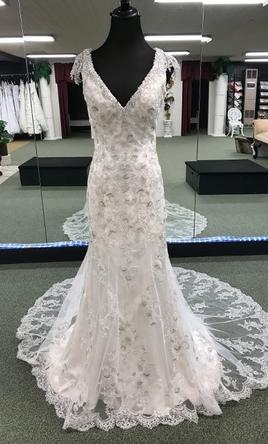 b2aff7261907 Alfred Angelo Sapphire Collection, $895 Size: 6 | New (Un-Altered ...