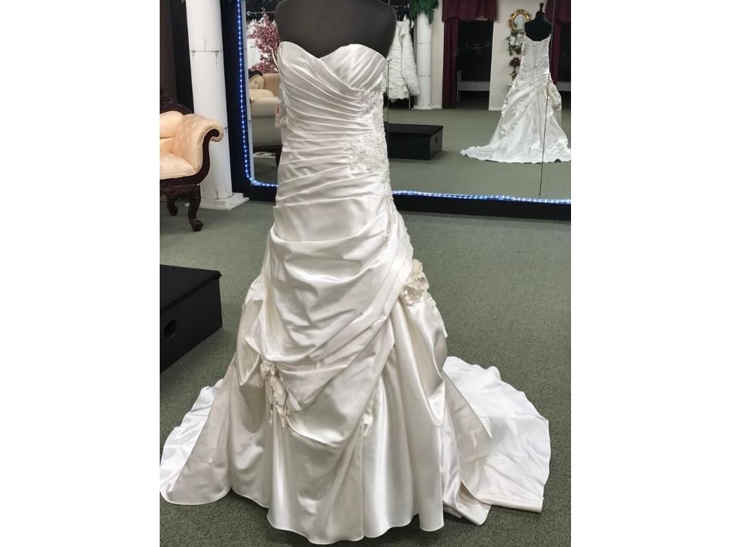 ... Alfred Angelo 2453 8