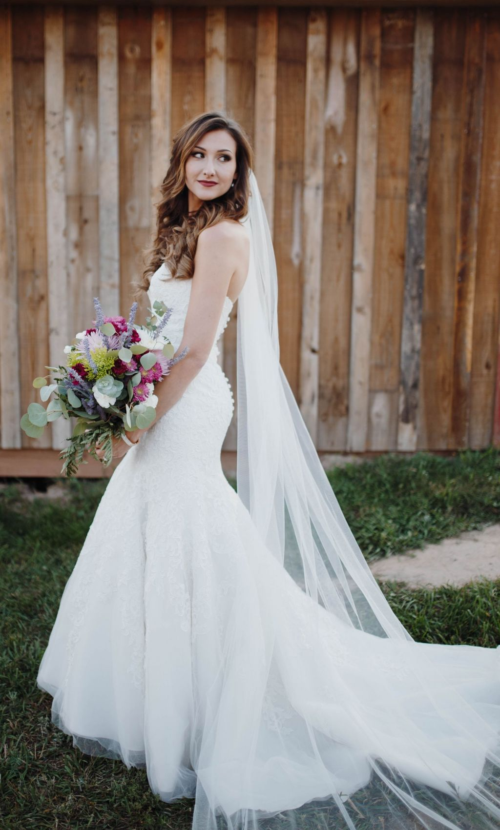 Allure Bridals Allure Romance 2709 400 Size 6 Used Wedding Dresses