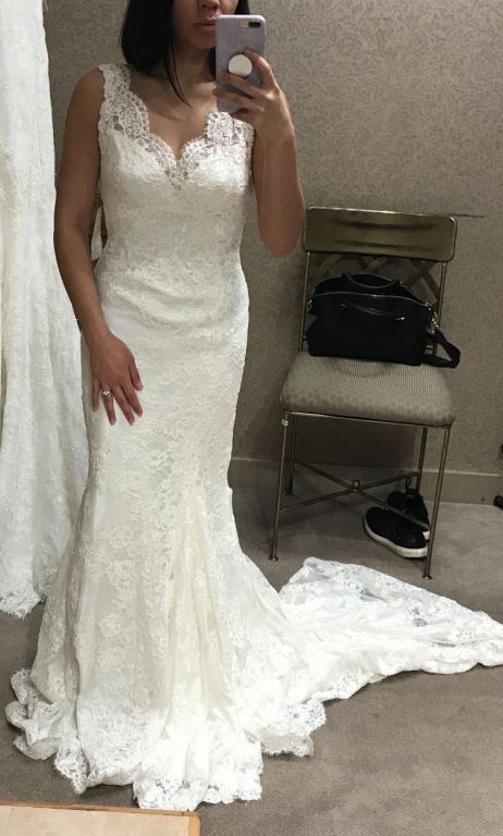 Marisa 959, $775 Size: 10 | Sample Wedding Dresses
