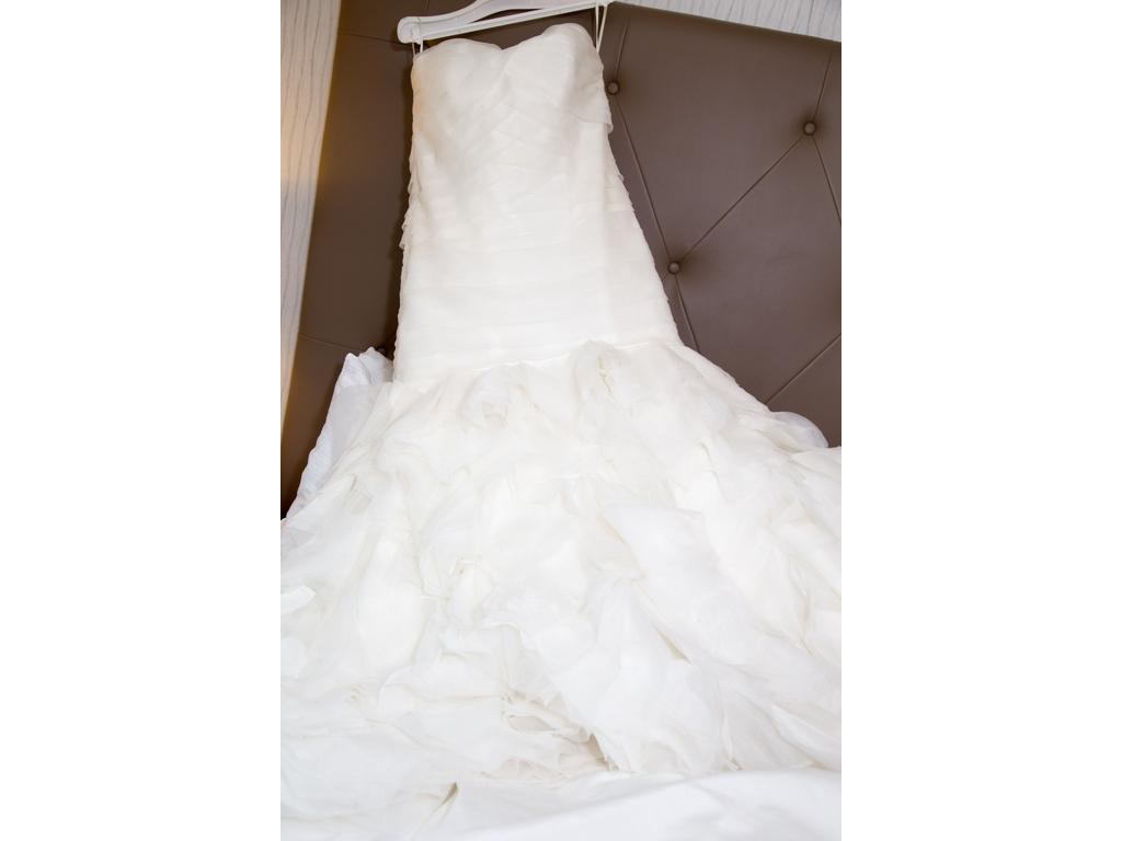 Dennis Basso $1,200 Size: 20 | Used Wedding Dresses