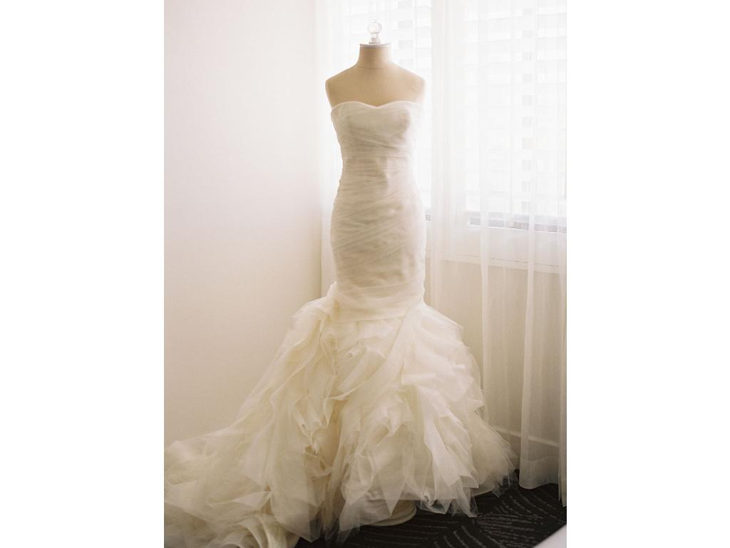 Vera wang gemma 3 800 size 0 used wedding dresses for Used wedding dress size 0