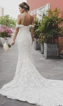 e37dfc95317 Pin it · Pronovias RANI (Atelier Pronovias)