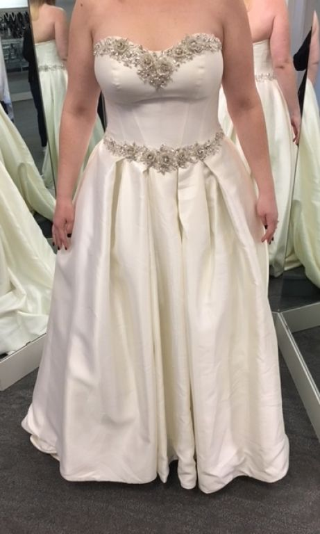 Other Catan Fashions, $975 Size: 16   New (Un-Altered) Wedding Dresses