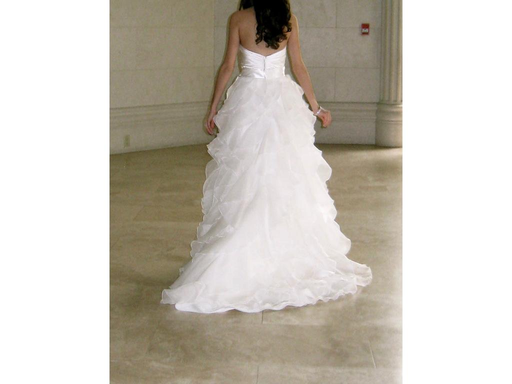 Paloma blanca 450 size 0 used wedding dresses for Used wedding dress size 0