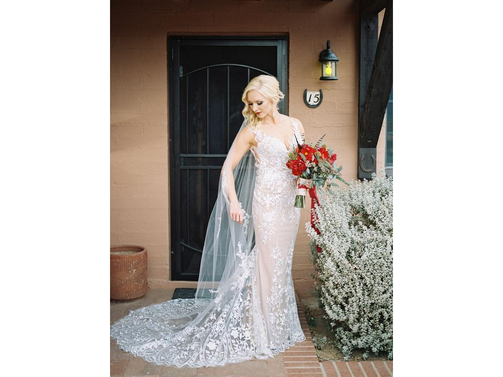 Marisa d99, $600 Size: 4 | Used Wedding Dresses