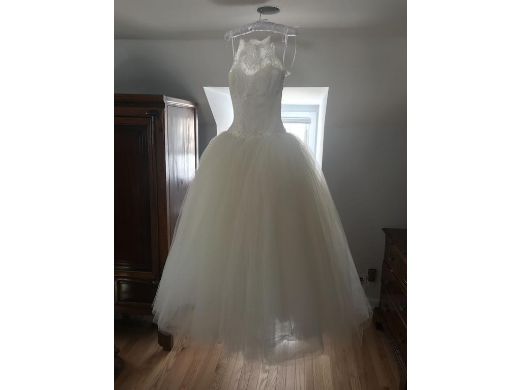 Vera wang princess 1 950 size 6 used wedding dresses for Vera wang wedding dress used