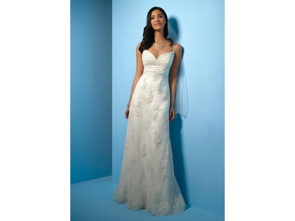 Alfred Angelo 2000NT, $325 Size: 16