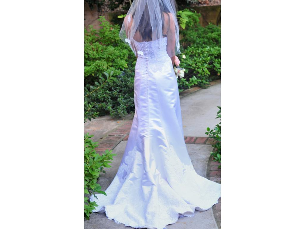 Eugenia 3515 400 size 0 used wedding dresses for Used wedding dress size 0