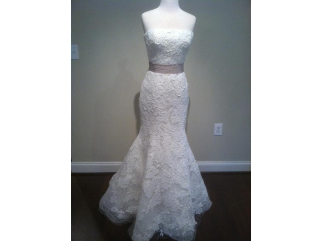 Wedding Dresses USD 7000 : Vera wang hillary size sample wedding dresses