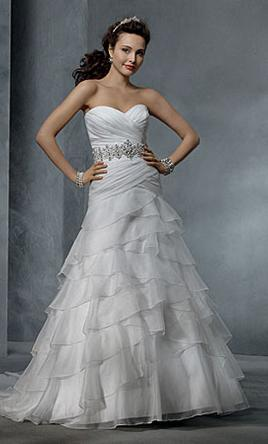 Alfred Angelo 2314, $800 Size: 4 | New (Un-Altered) Wedding Dresses