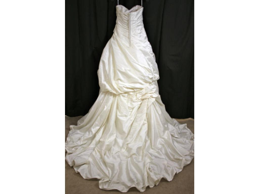 Enzoani evelyn 500 size 12 new un altered wedding for Wedding dresses for 500 or less