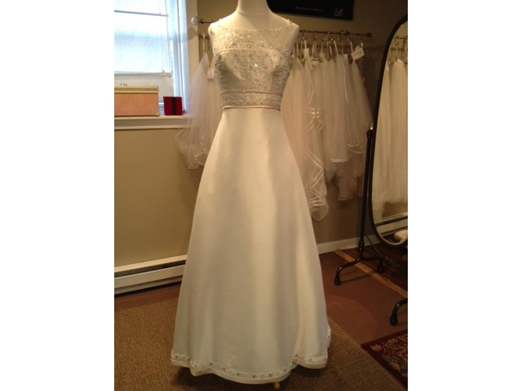 Private label by g 475 size 12 sample wedding dresses for Private label wedding dresses