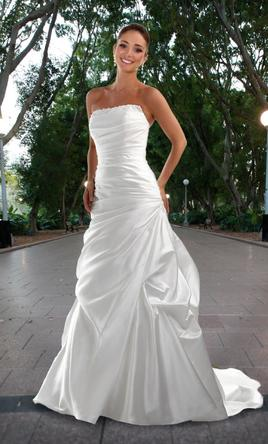 DaVinci 8420, $350 Size: 4 | New (Un-Altered) Wedding Dresses