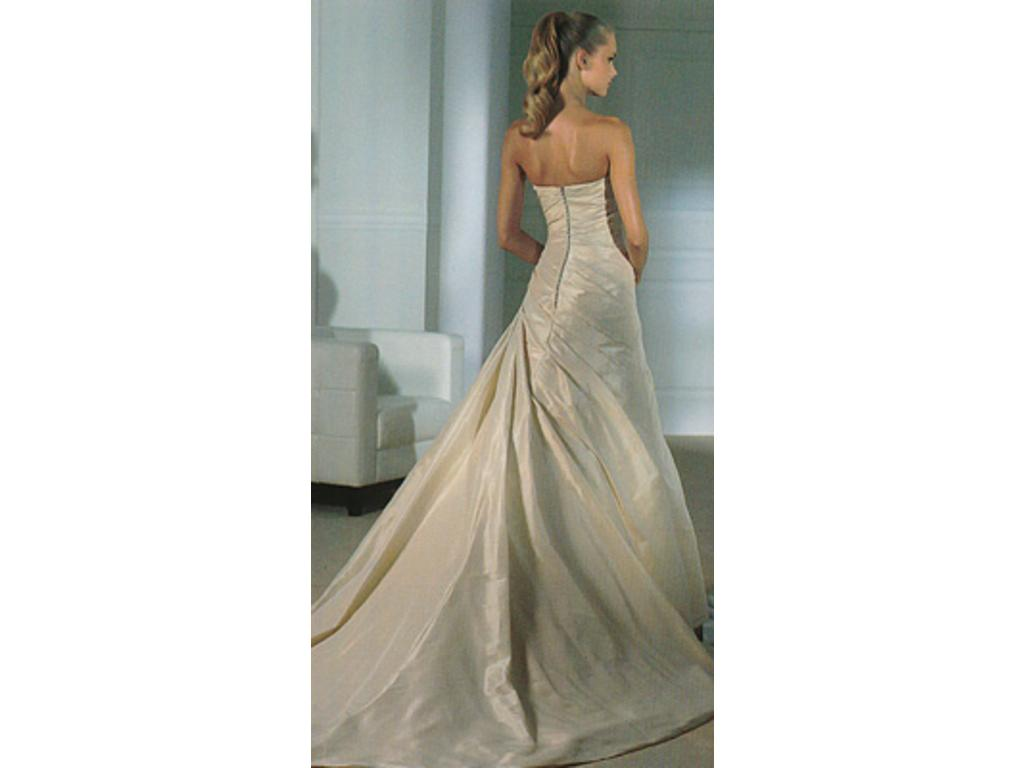 Wedding Dresses Chicago Harlem : Pronovias harlem buy this dress for a fraction of the salon price on