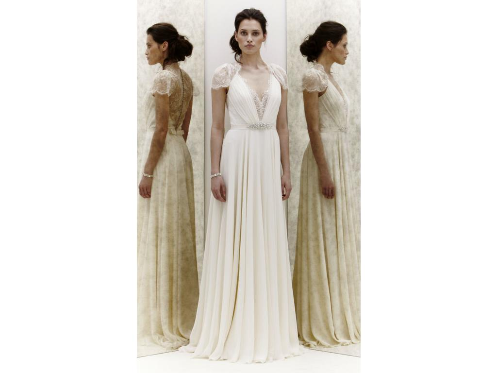 Jenny packham dentelle for rent not sale 1 000 size 6 for Cost to rent wedding dress in jamaica