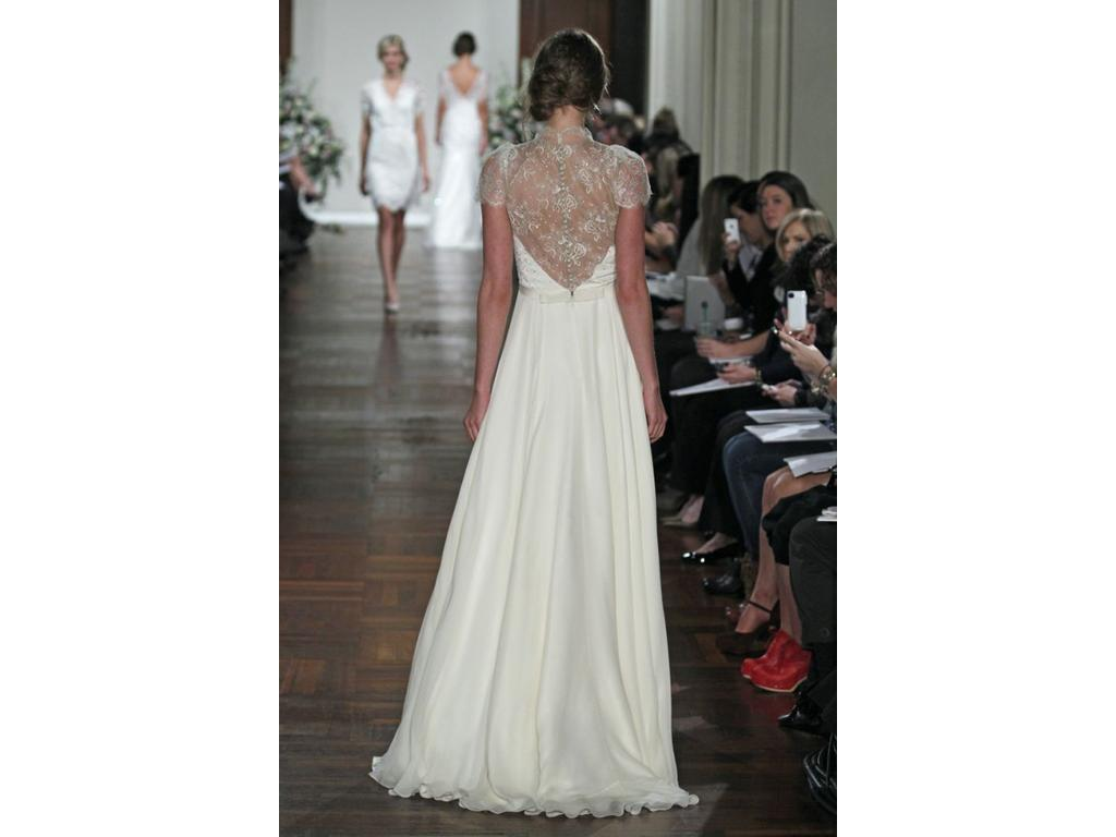 Jenny packham dentelle for rent not sale 1 000 size 6 for Previously worn wedding dresses for sale