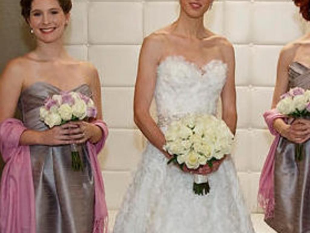 Dennis Basso $750 Size: 6 | Used Wedding Dresses