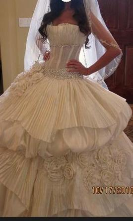Europa couture 5 000 size 4 used wedding dresses for Wedding dresses under 5000