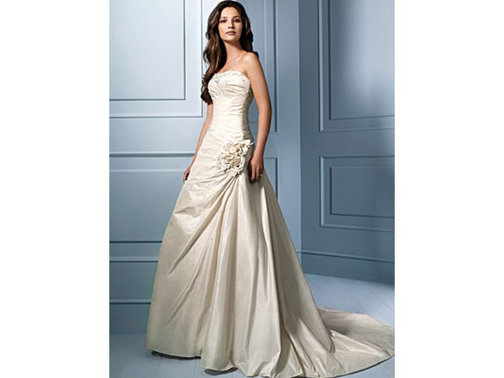 Alfred Angelo 753, $360 Size: 14