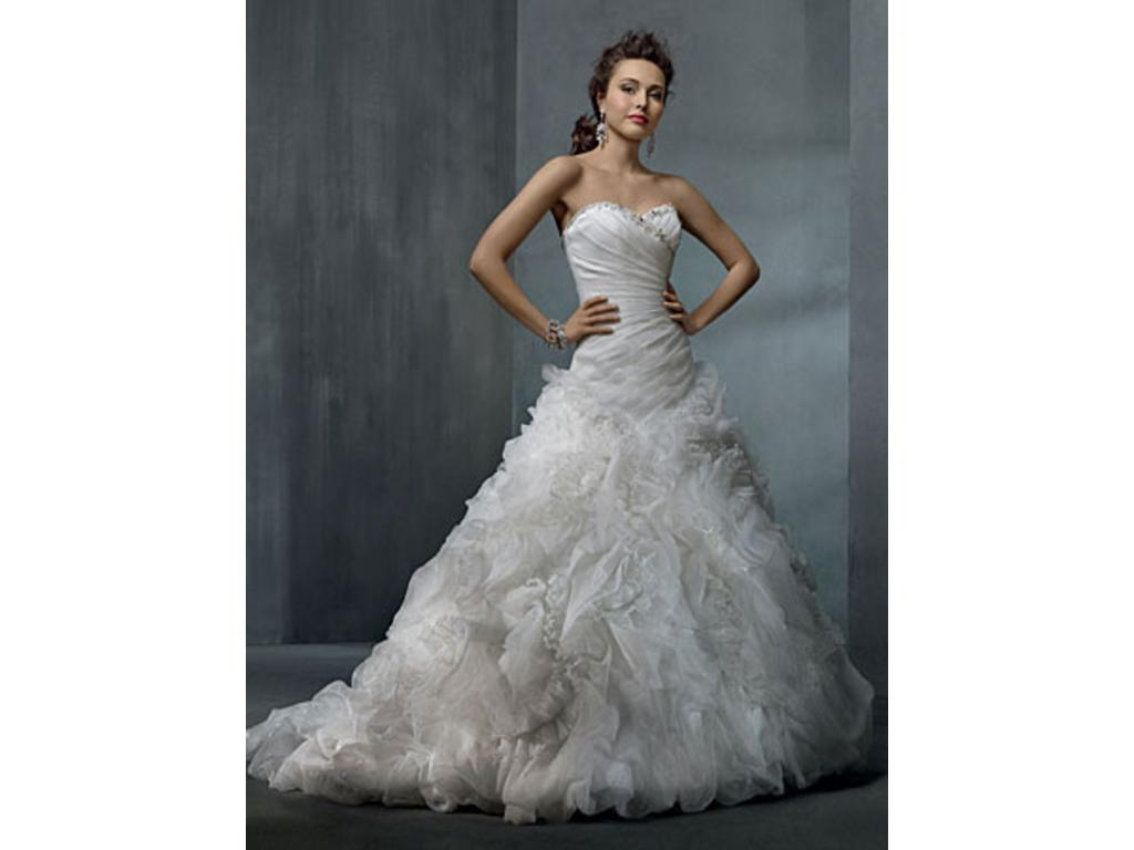 Alfred Angelo 2311, $550 Size: 16W