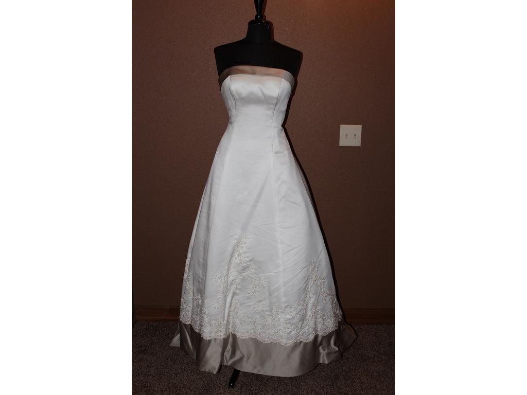 Alfred angelo 2010j 360 size 10 new un altered for Size 10 wedding dress