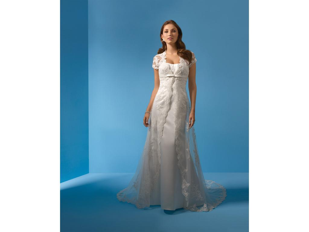 Alfred Angelo 2073, $399 Size: 14 | New (Un-Altered) Wedding Dresses