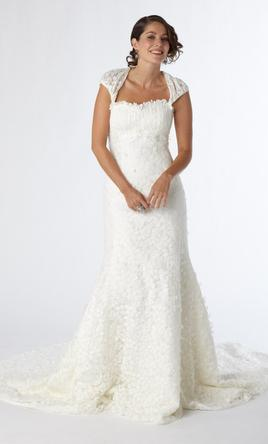 Kirstie kelly c1205 650 size 12 new un altered wedding dresses pin it kirstie kelly c1205 12 junglespirit Image collections