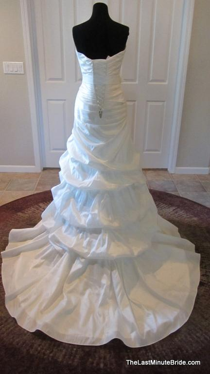 Ella Ella Bridal/Stella York 5600, $399 Size: 12 | New (Un-Altered ...