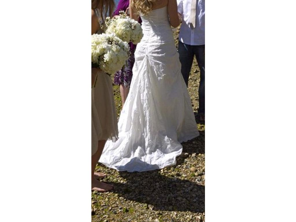 Preowned Wedding Dresses Nyc : Nicole miller hg