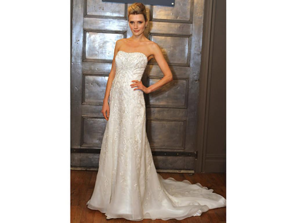 Luxury Alita Graham Sweetheart A Line Gown In Lace Collection ...
