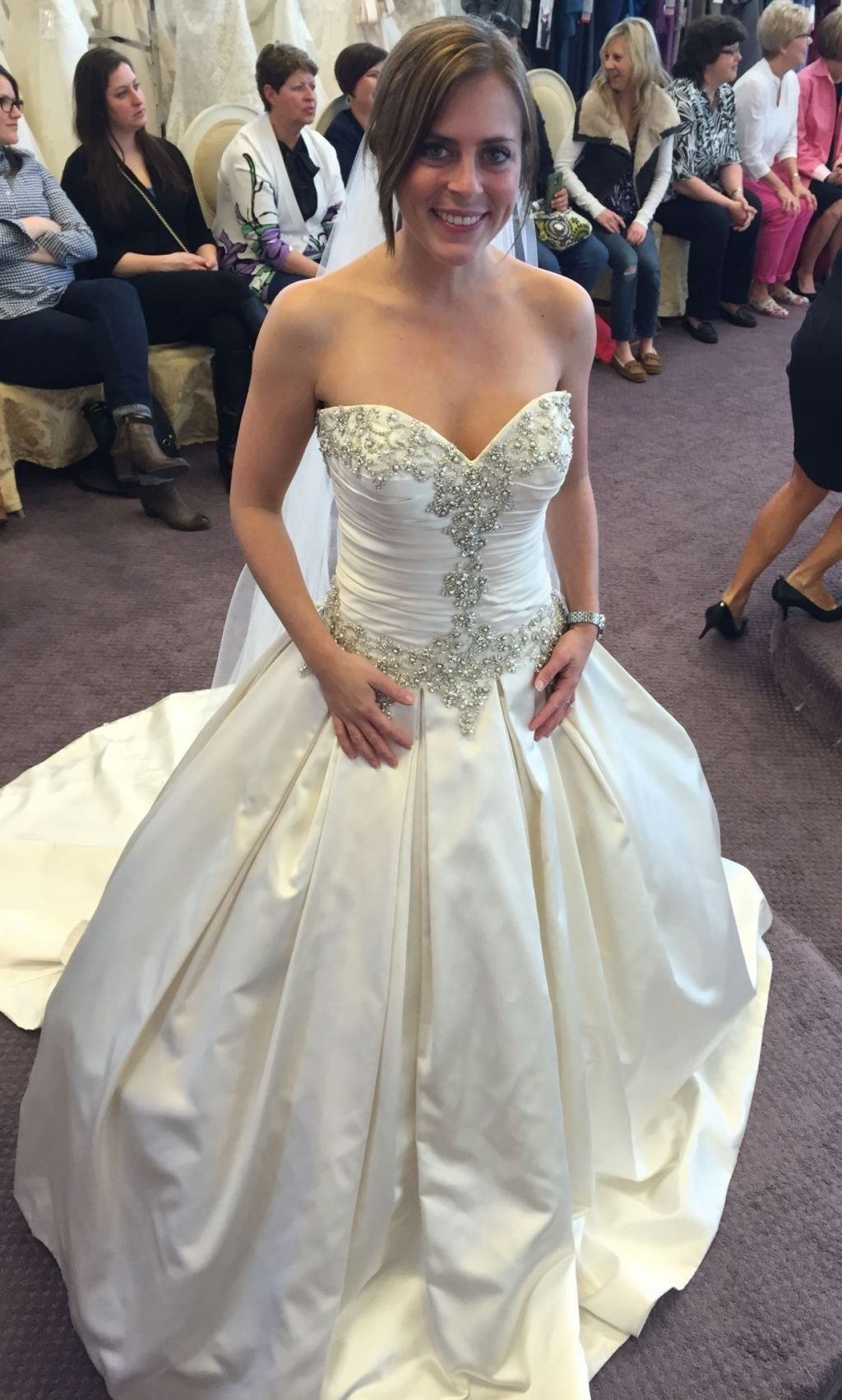 7c9790522768 Allure Bridals 9003, $1,000 Size: 4 | New (Un-Altered) Wedding Dresses