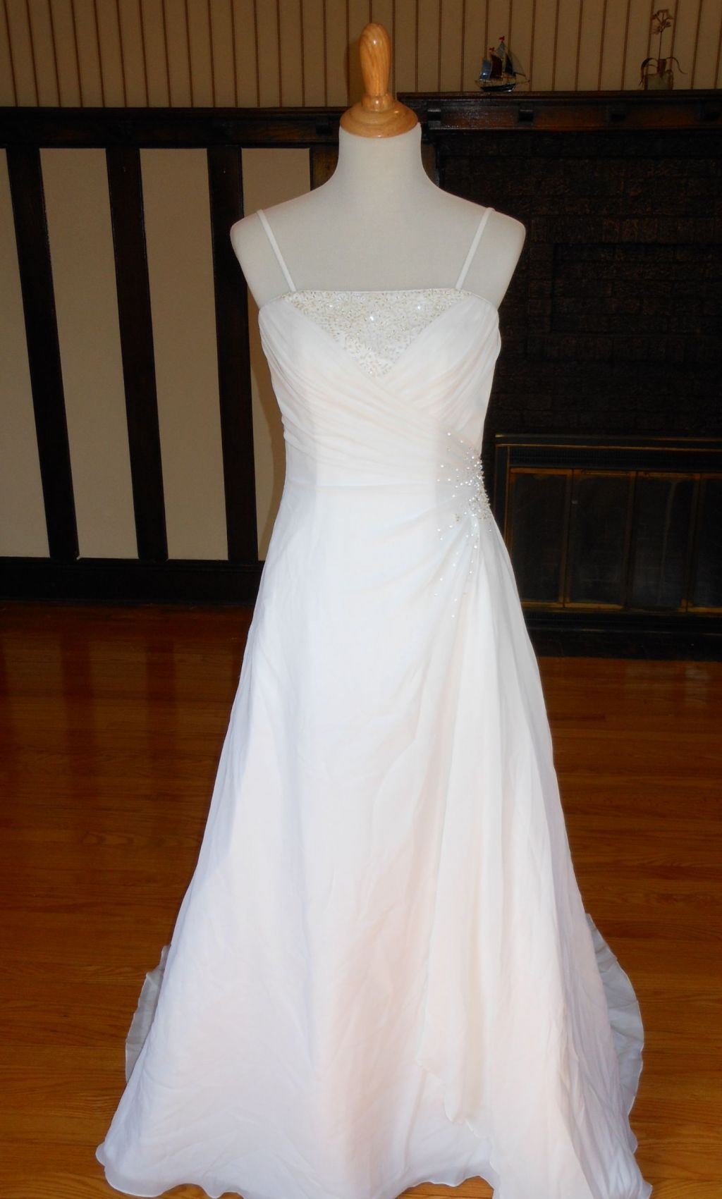 Raylia 99 size 10 new un altered wedding dresses for Wedding dresses for 99