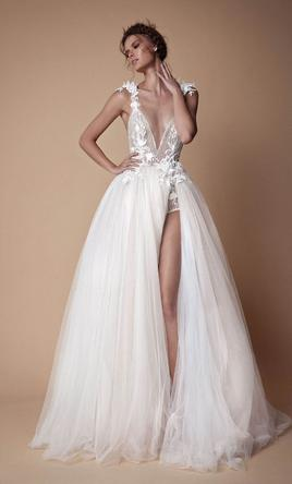 Berta Bella, $4,700 Size: 6 | New (Un-Altered) Wedding Dresses